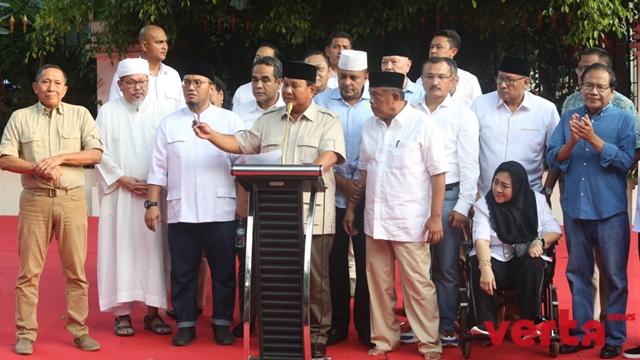 Sandi Ungkap Pembisik Prabowo Ada di Panggung Saat Deklarasi
