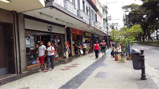 Bares e restaurantes de Petrópolis fechados