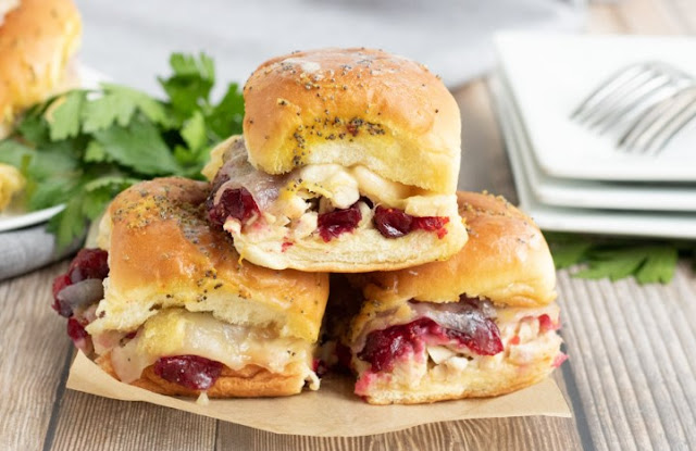 Turkey Cranberry Sliders #dinner #recipes