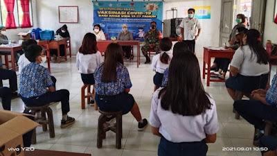 60 Siswa SMP N 1 Ratatotok di Moreah Divaksin