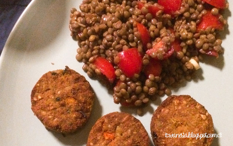 Insalata di lenticchie e polpette vegetariane