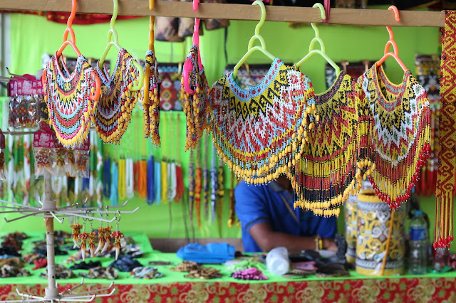 Penjual Manik Manik di Gawai Dayak XXXII di Rumah Radakng