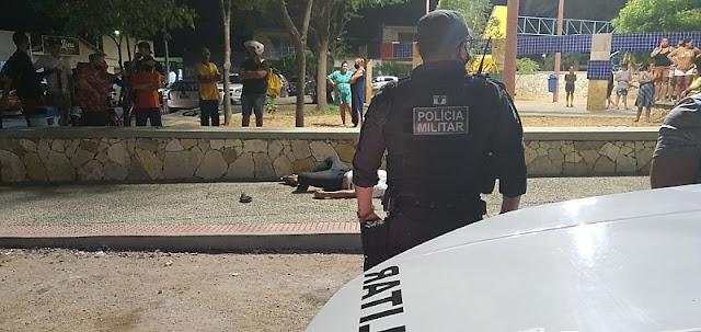 Homem emorto a tiros na Praça do Bairro Boa Vista em Mossoró, RN