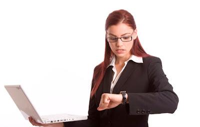 ilustrasi penggunaan laptop