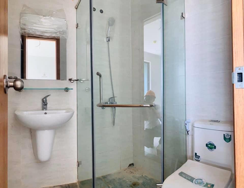 nhà vệ sinh căn hộ Bcons Suối Tiên bán