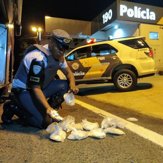 Rapaz é preso pelo TOR com mais de mil porções de cocaína em ônibus na Rondon