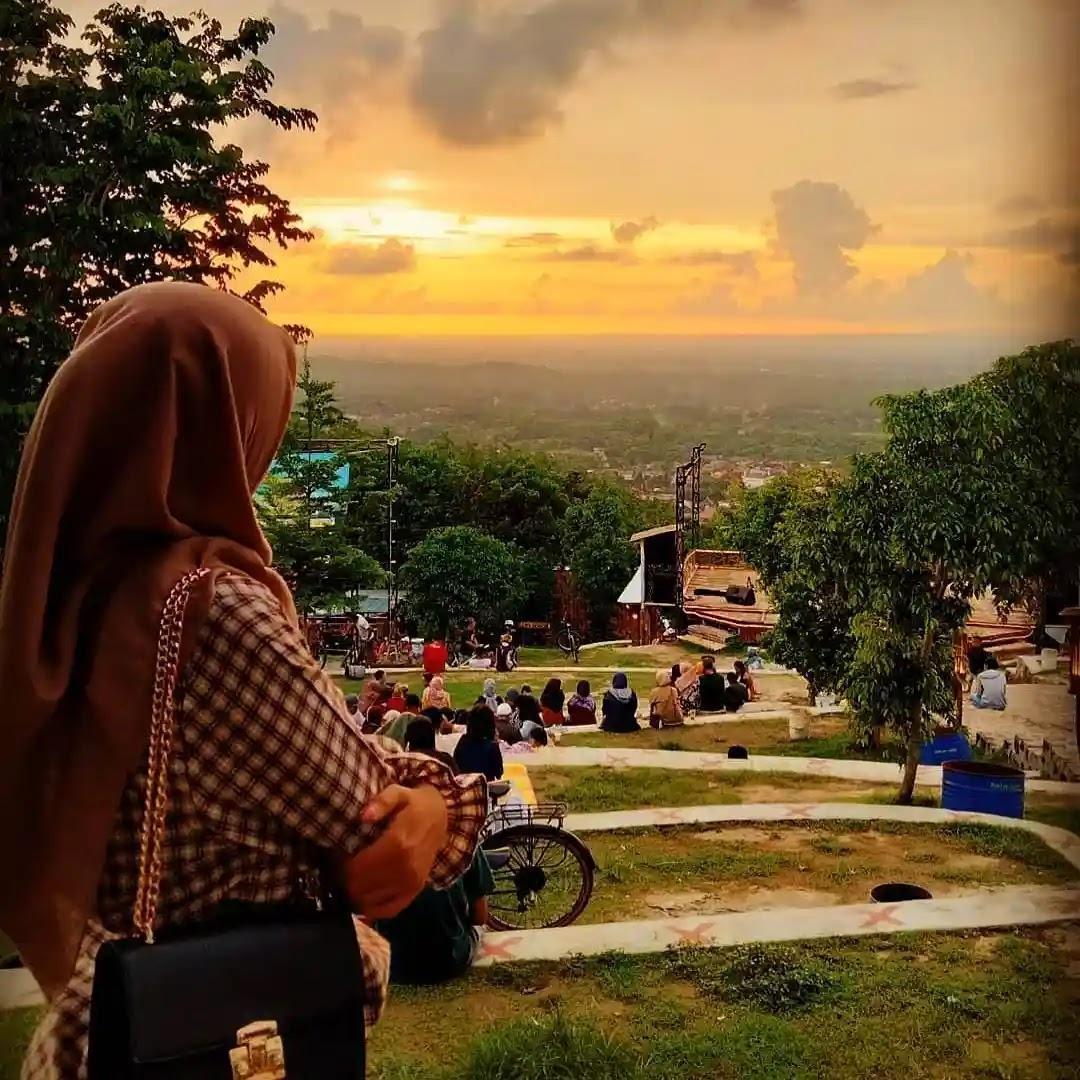 Tempat Wisata Jogja Puncak Sosok Bawuran
