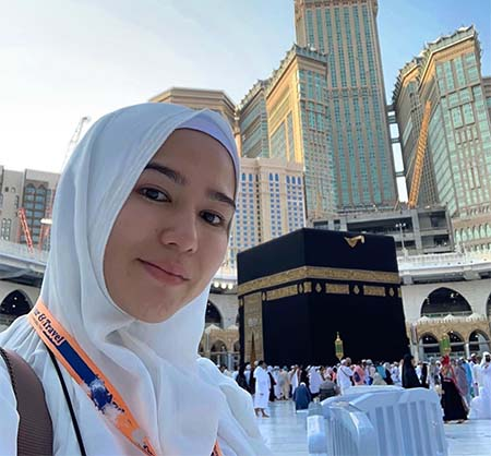 Masayu Clara Pakai Hijab 6