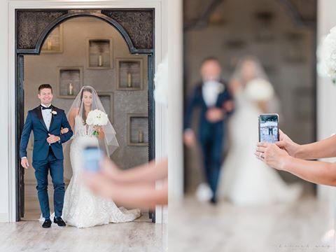 Fotografia matrimoniale: Perché gli ospiti dovrebbero tenere lo smartphone in tasca