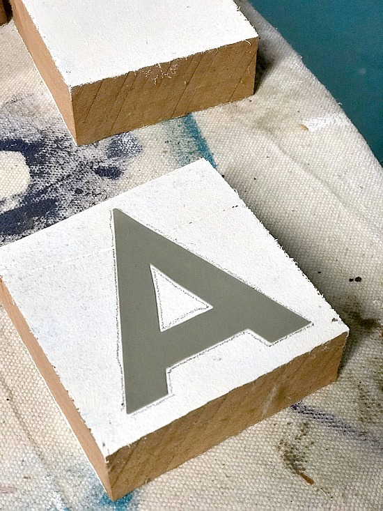 How to Make DIY Farmhouse Style Rustic Letter Blocks for the mantel