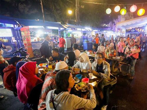Pusat kuliner Cikapundung Bandung