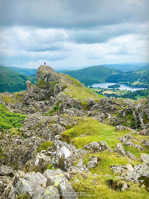 Helm crag walk near grasmere lake district best route map height lion lamb howitzer
