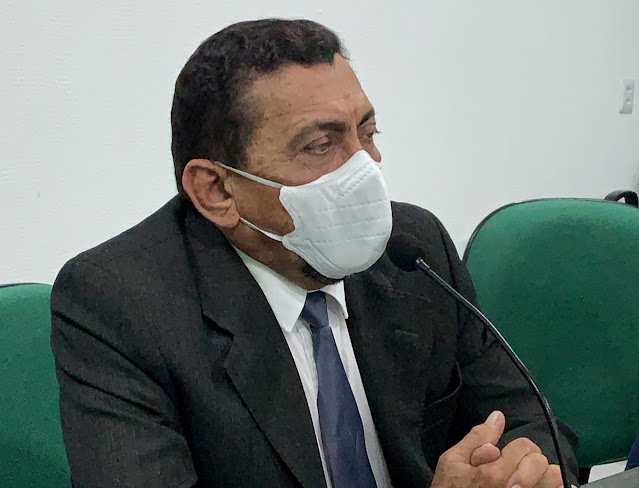 Vereador Sena Rosa pede reforma do Mercado Público de Campo Maior