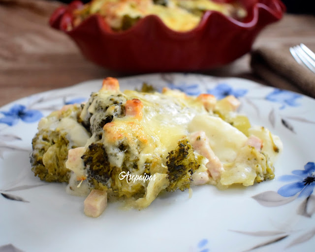 Brócoli Gratinado con Jamón y Huevo Duro