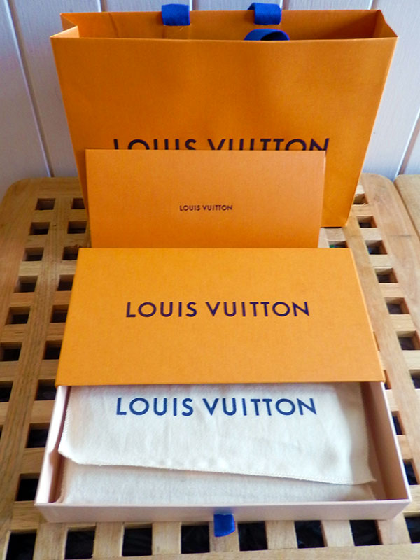 aaec33023f1e This was my very first experience purchasing a Louis Vuitton item and store  experience. On entering the store I was greeted by a very friendly male  staff ...