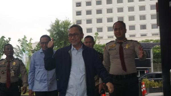 Zulkifli Hasan Penuhi Panggilan KPK Jadi Saksi Kasus Suap Alih Fungsi Lahan