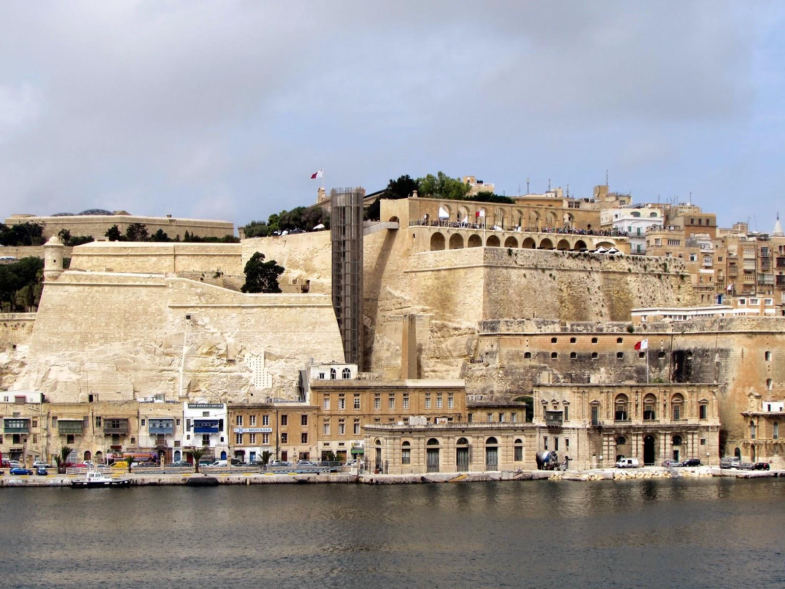 Malta. Malte. Il-Bet Valletta. La Valeta. Fortificaciones