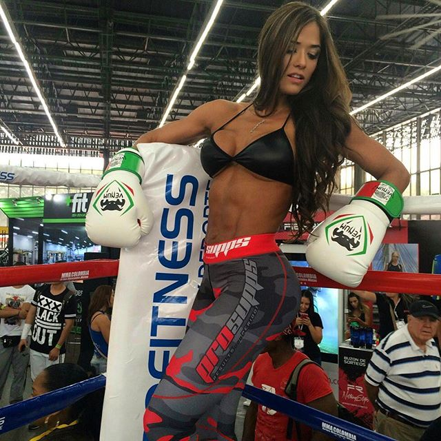 Fitness Model Tatiana USSA GIRARDI abs