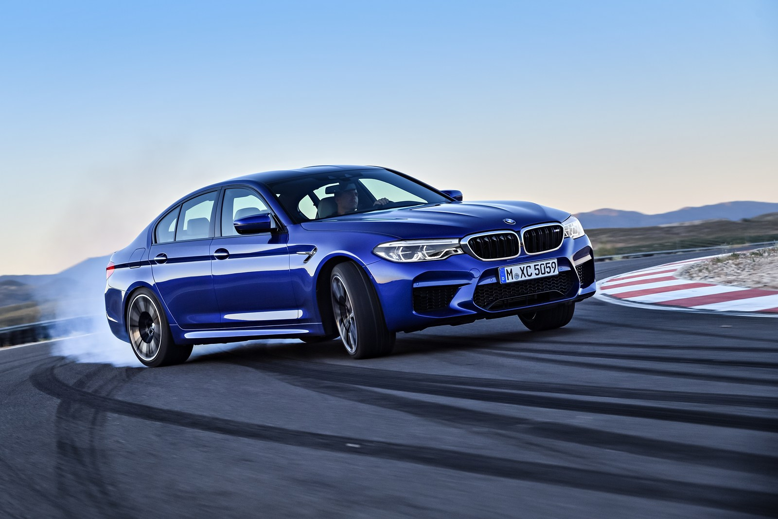 bmw confirms new m5 competition package carscoops. Black Bedroom Furniture Sets. Home Design Ideas