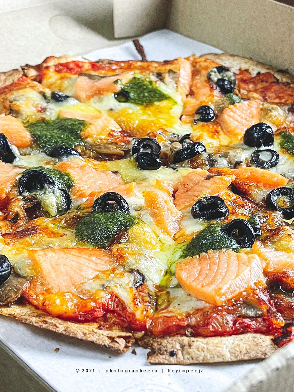 Salmon & Mushroom Pizza The Coffee Bean & The Leaf