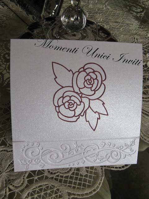 campione+esterno Partecipazione mod. Profumo di RoseColore Bordeaux Colore Rosso Tema Rose