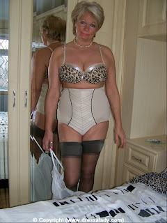 Milf in lingerie pics