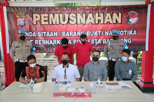 Diamankan dari Dua Orang Tersangka, Satresnarkoba Polresta Barelang Musnahkan Sabu Seberat 717,24 Gram