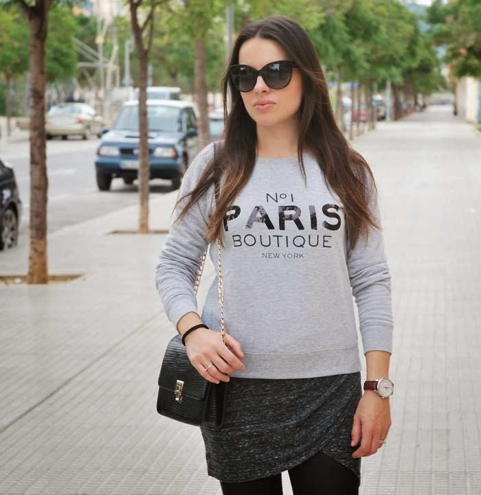 Paris Sweatshirt Outfit