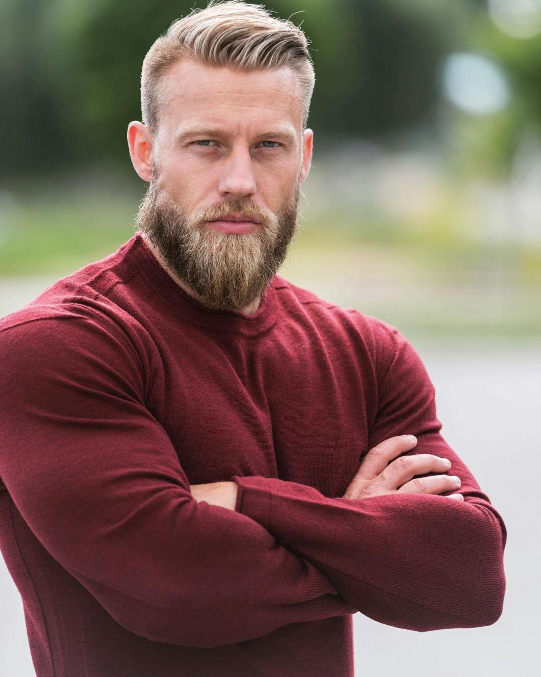 handsome-strong-muscular-man-stian-bjornes-sexy-bearded-daddy-blue-eyes-hunk