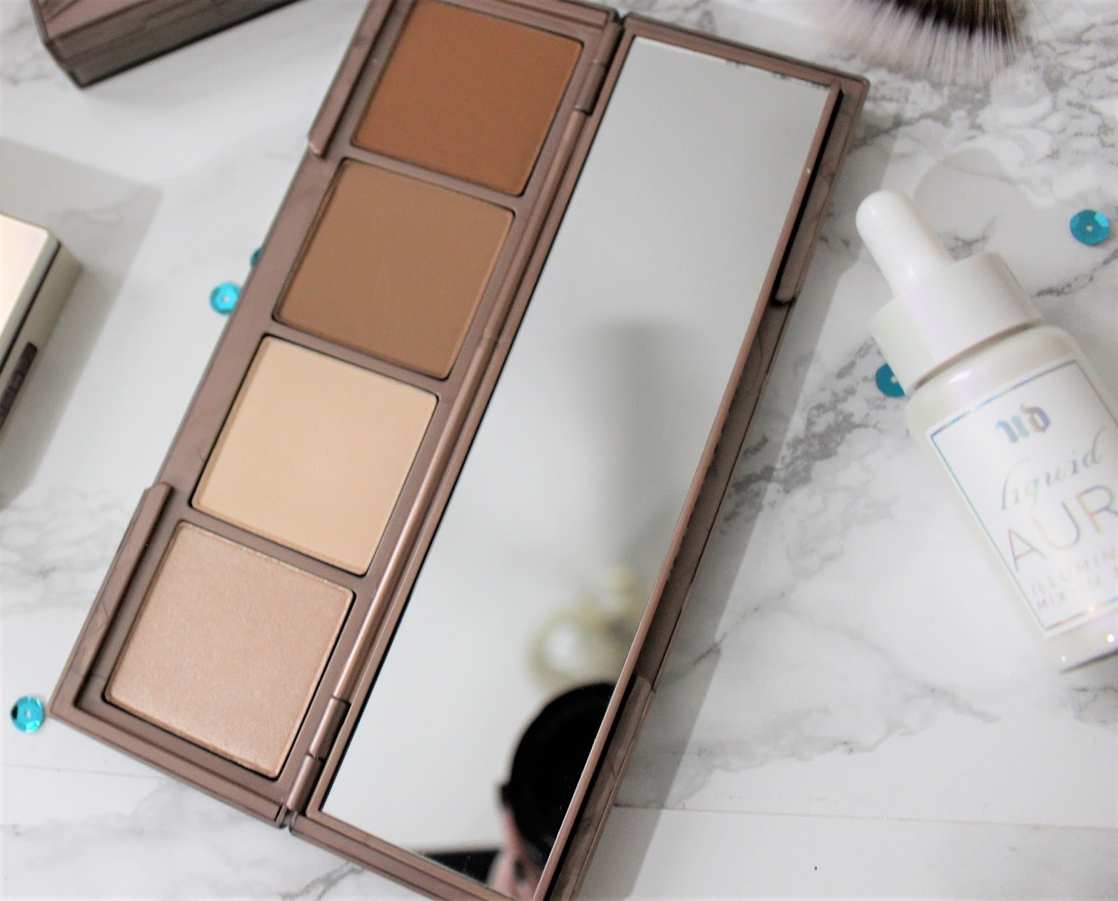 Urban Decay Naked Skin Shapeshifter Palette light