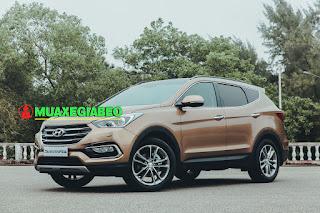 So sánh Toyota Fortuner với Hyundai Santafe ở bản máy dầu, 2 cầu, số tự động ảnh 2