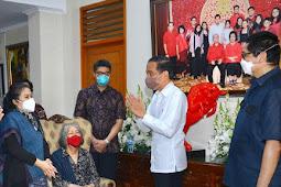 Jokowi Melayat ke Rumah Duka Anggota DPD RI, Sabam Sirait