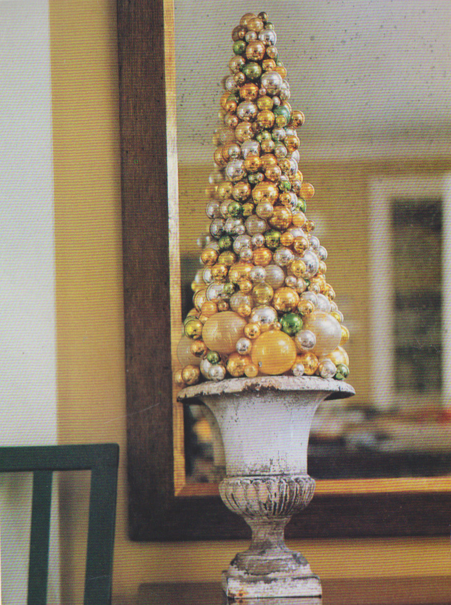 The Auction Addict: Holiday Decor: the Ornament Tree