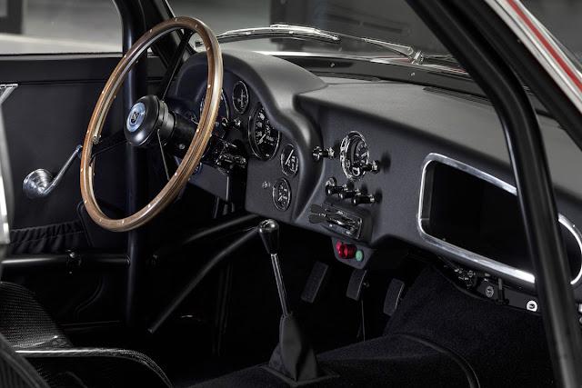 アストンマーティン 「DB4 GTザガート・コンティニュエイション」