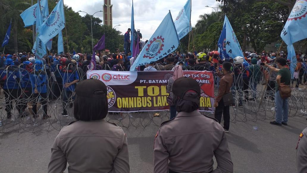Anggota Komisi IV DPRD Batam Menolak UU Omnibus Low Cipta Kerja. Ini Alasannya.