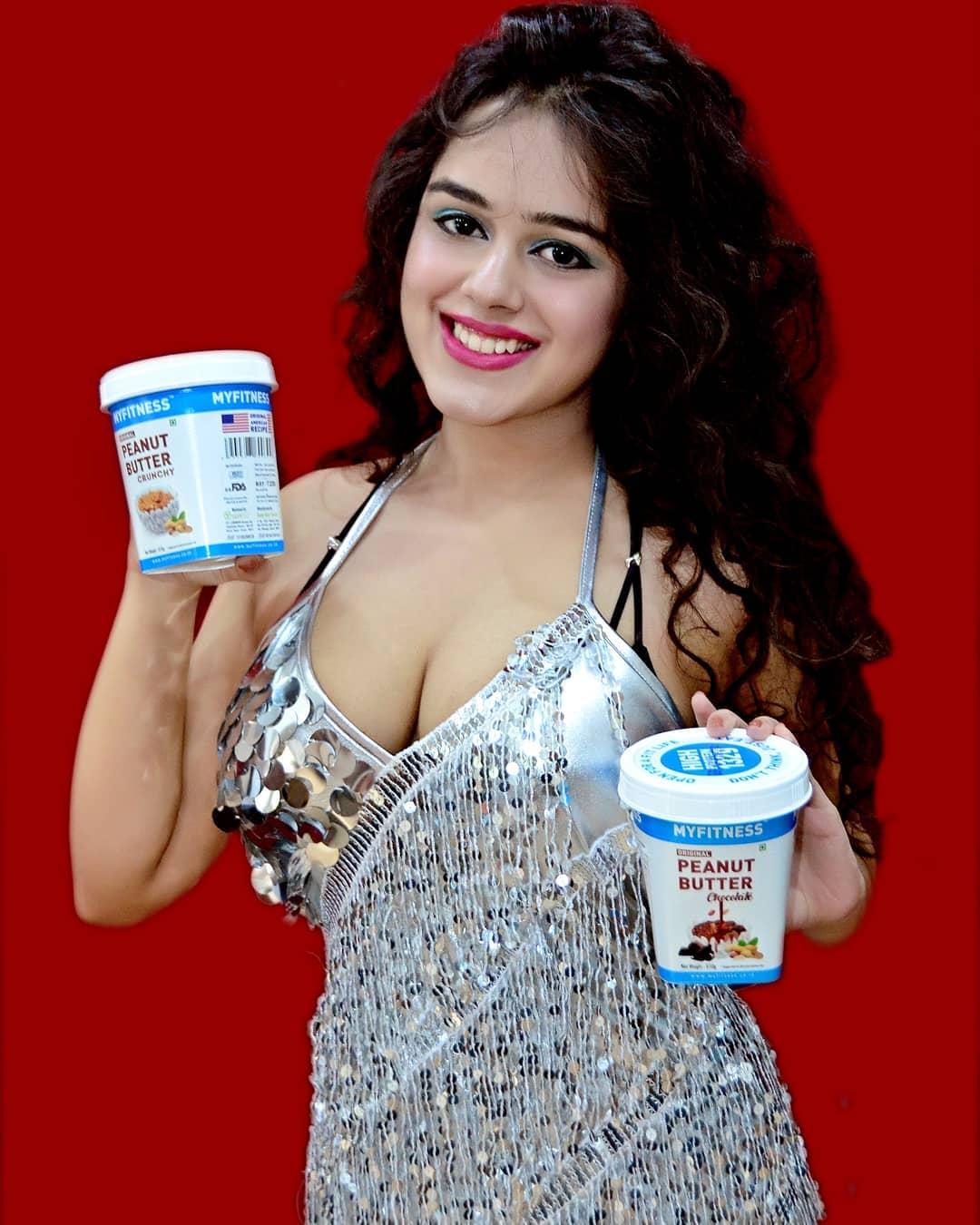 Mushkan varshney webseries actress hot photos gallery