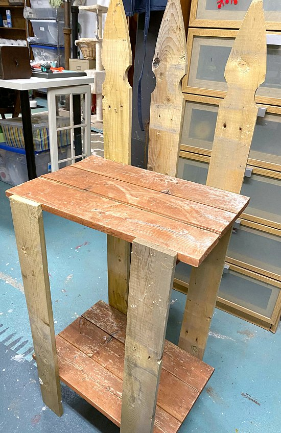 DIY Picket Fence Garden Table