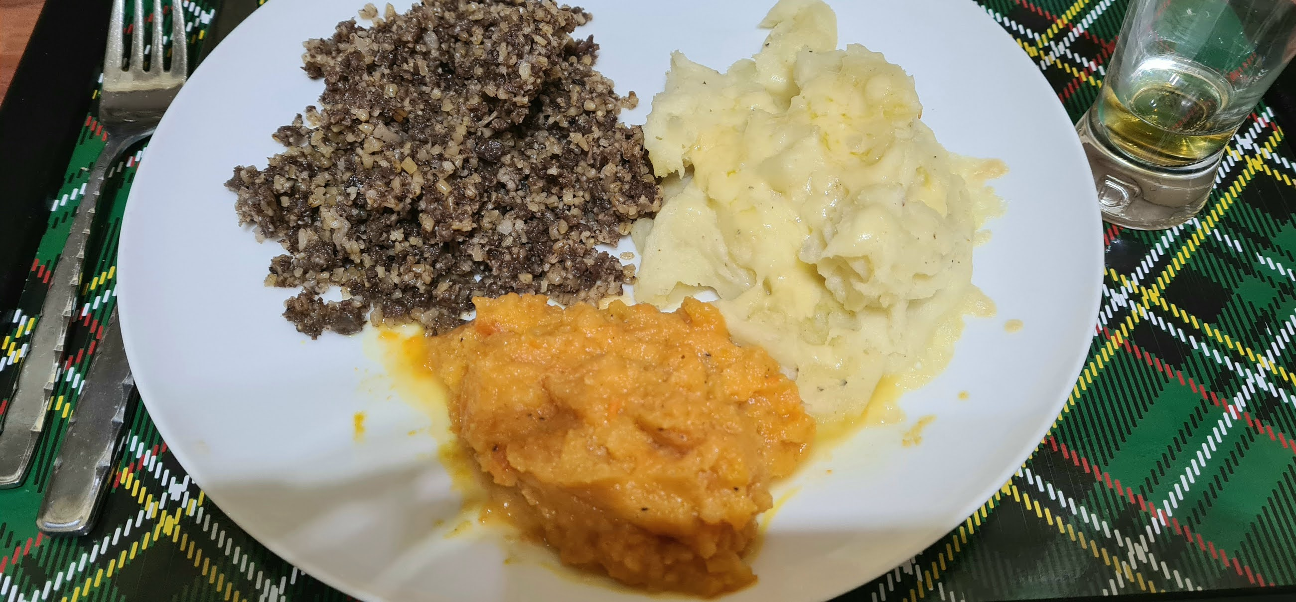 Haggis, neeps and tatties with a wee dram of whisky: Burns Night dinner