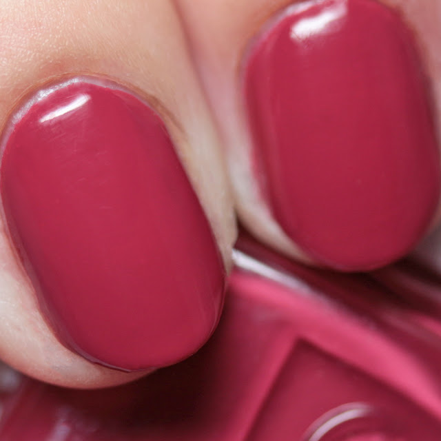 Essie Stop Drop & Shop 1523