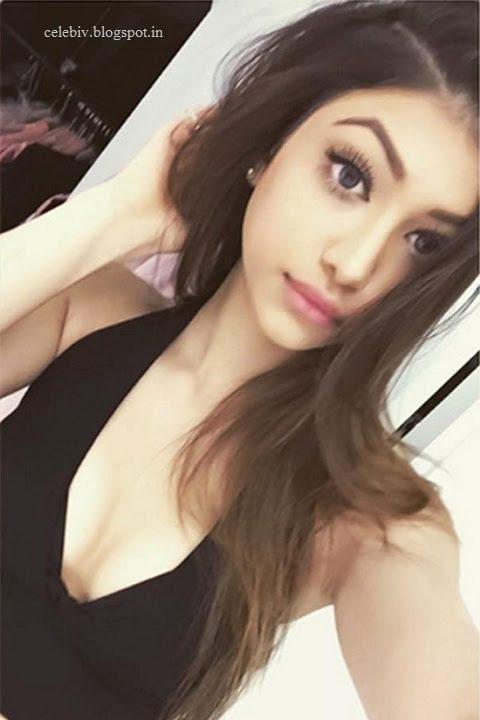 Alanna Panday Hot Bikini Pics