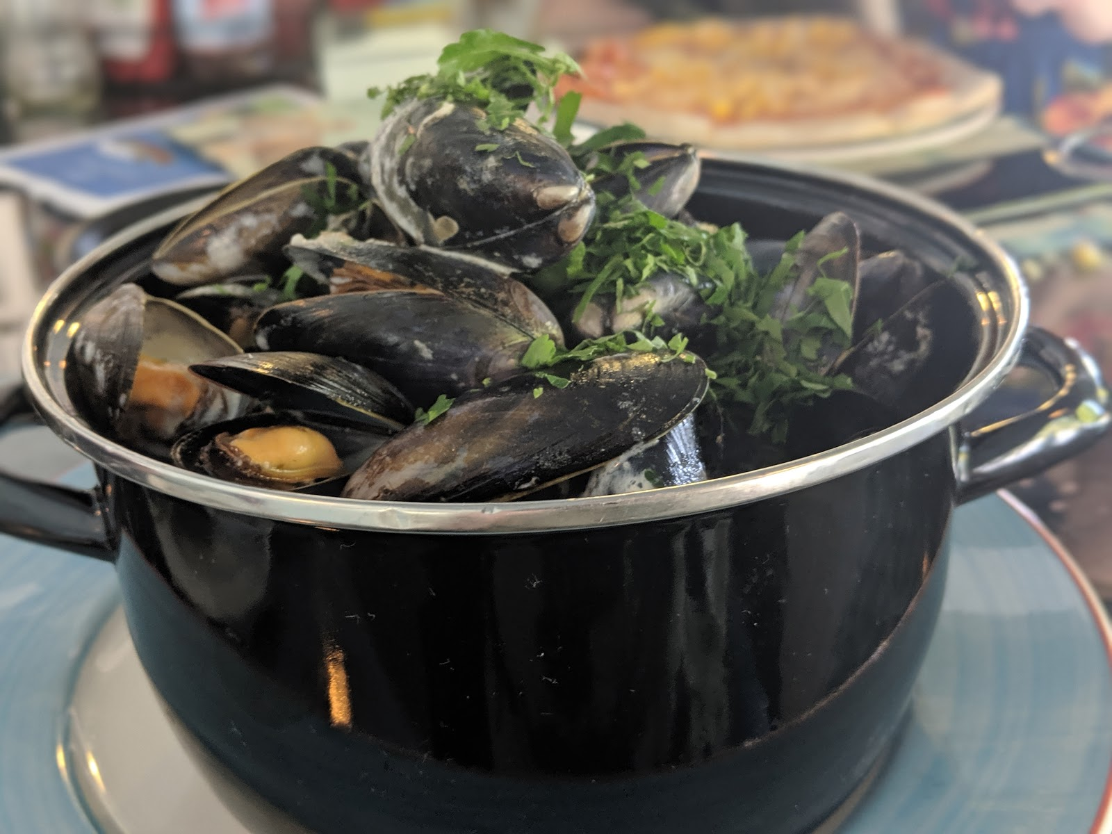A Short Break at Cameron Lodges, Loch Lomond - the boat house - huge bowl of mussels