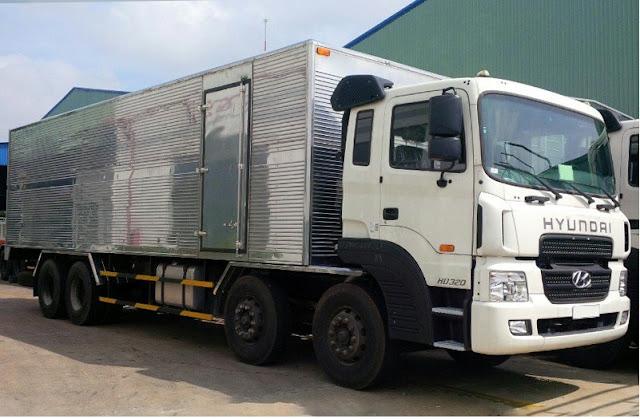 Xe tải 4 chân Hyundai HD320 thùng kín