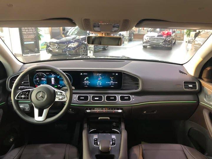 Mercedes-Benz GLE thế hệ mới thanh lý với giá 'rẻ hơn 600 triệu', ODO vỏn vẹn 1.600km