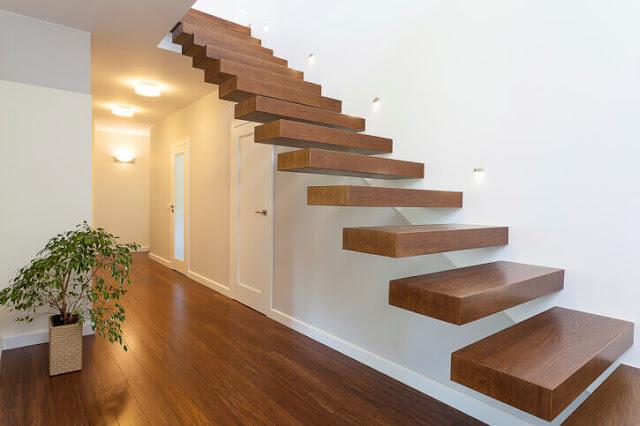 bậc thang gỗ toàn khối.
