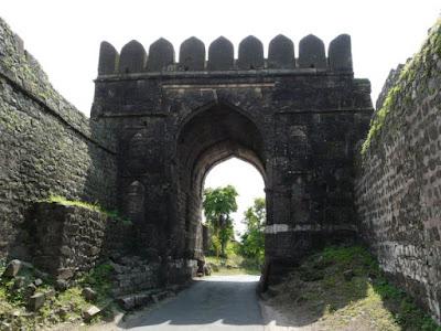 Dangi Gate