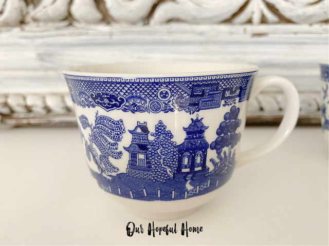 Blue Willow tea cup pagoda blue white