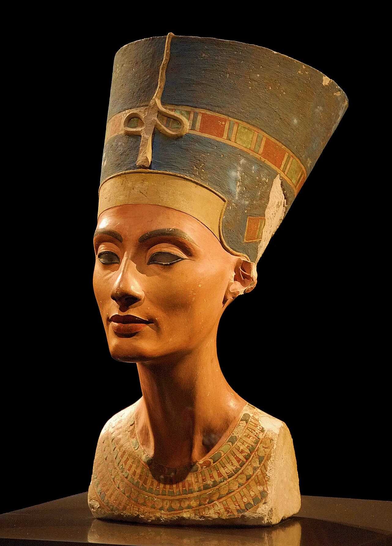Busto de Nefertiti 20cm de alto en PLA.