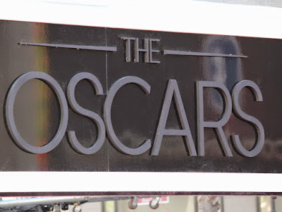 Oscars: Tips for sitting in the bleachers for the Academy Awards red carpet