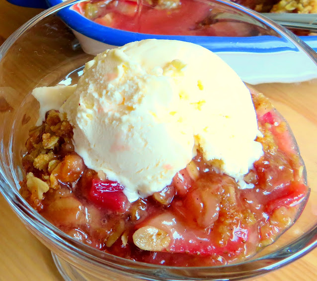 Strawberry & Rhubarb Crisp
