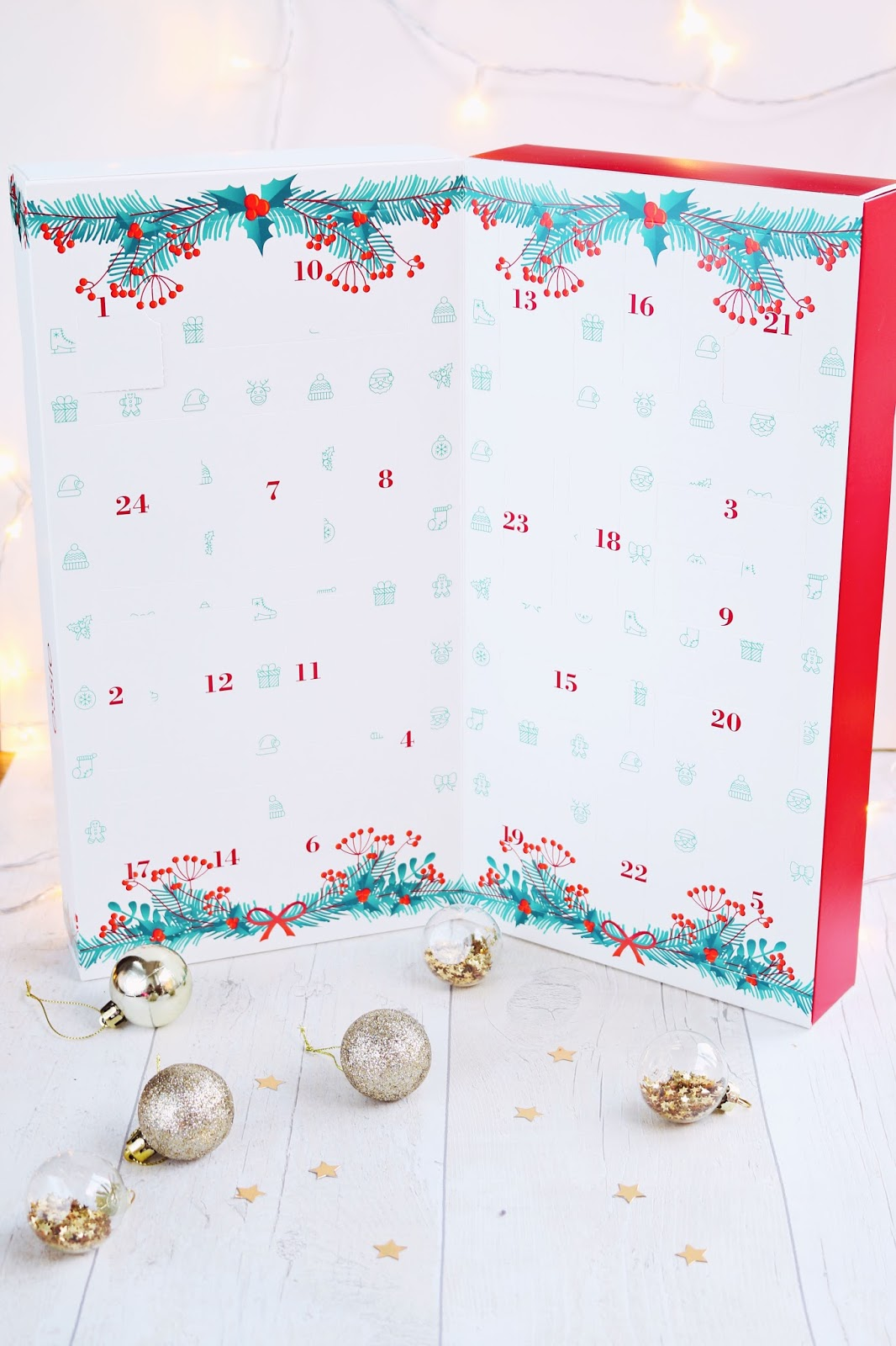 Beauty, Christmas, Drugstore, essie, Nails, essie advent calendar, essie advent calendar 2017, essie advent calendar review, essie nail polish, essie christmas nails,